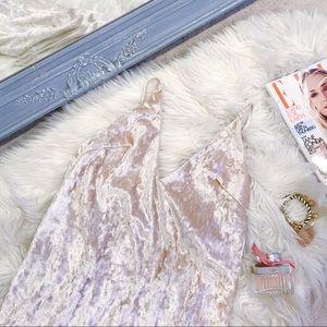 Crushed velvet blush mini dress S💕